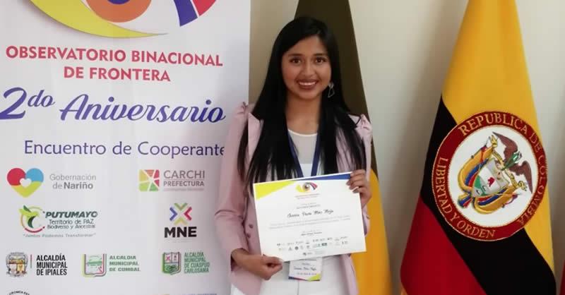 EXALTAN A ESTUDIANTES DE ADMINISTRACION DE NEGOCIOS INTERNACIONALES EN ECUADOR