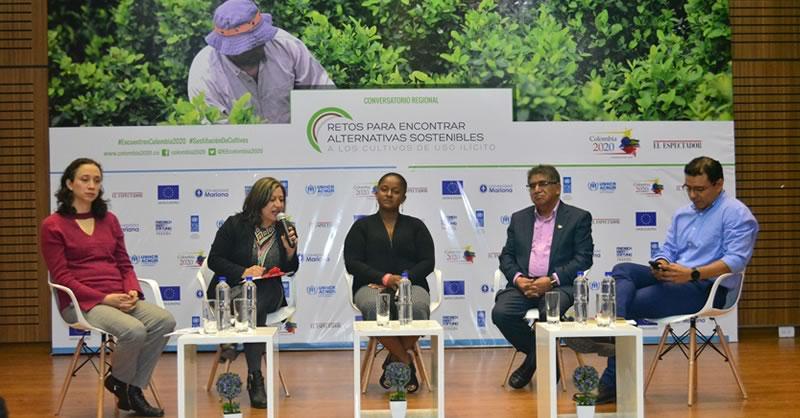"""""""RETOS PARA ENCONTRAR ALTERNATIVAS SOSTENIBLES A LOS CULTIVOS DE USO ILÍCITO"""""""