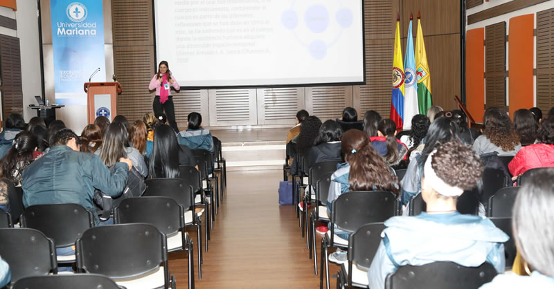 PEDAGOGIA, INVESTIGACIÓN Y CULTURA EN II SEMINARIO INTERNACIONAL DE EDUCACIÓN BÁSICA